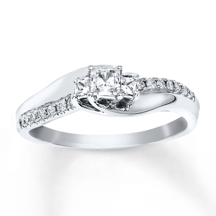 engagement ring 1 3 ct tw princess cut 10k